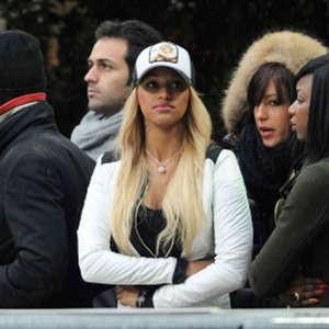 """Balotelli """"Sorvegliato speciale"""": Fanny non lo molla neanche allo stadio"""