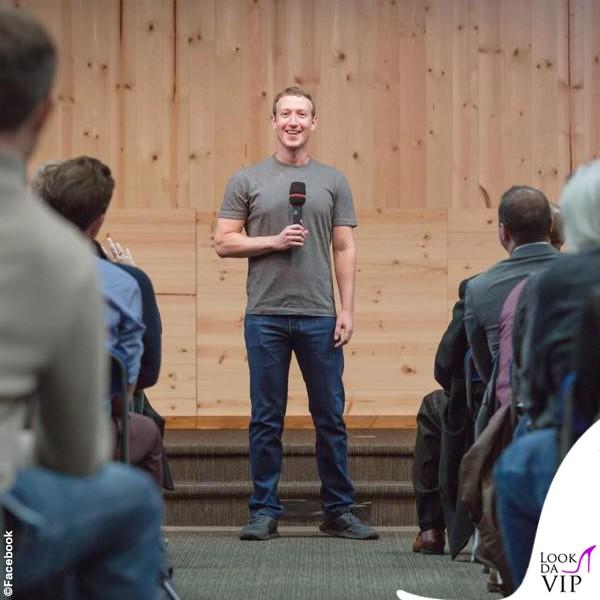 Mark Zuckerberg, il rientro al lavoro è… grigio