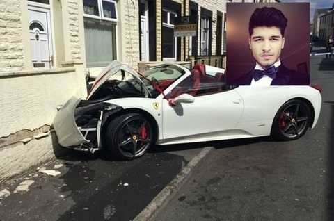 1676426_Ferrari-458-Spider-wreck