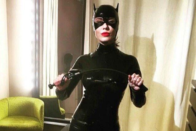 paola-iezzi-sexy-catwoman-lex-popstar-del-duo-paola-chiara-ora-fa-la-deejay