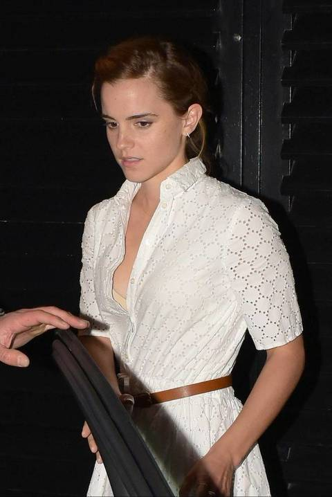 9.JUNE.2016, LONDON, UK EMMA WATSON SEEN HERE LEAVING THE CHILTERN FIREHOUSE IN LONDON EMMA WITH SHORT HAIR WAS WEARING A WHITE KNEE LENGTH DRESS AND FLASHED HER FLESH COLOURED BRA. EMMA WATSON