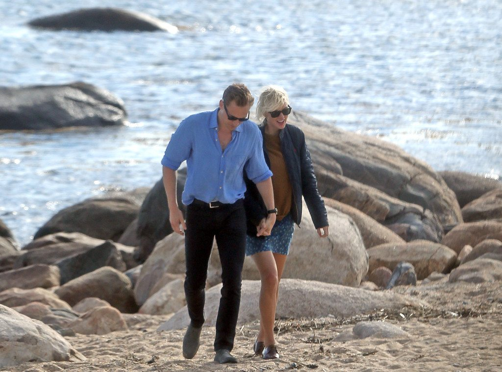 rs_1024x759-160618144034-1024.Tom-Hiddleston-Taylor-Swift-Beach-holdhands.tt_.061816