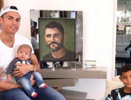 3278220_1610_cristiano_ronaldo_famiglia