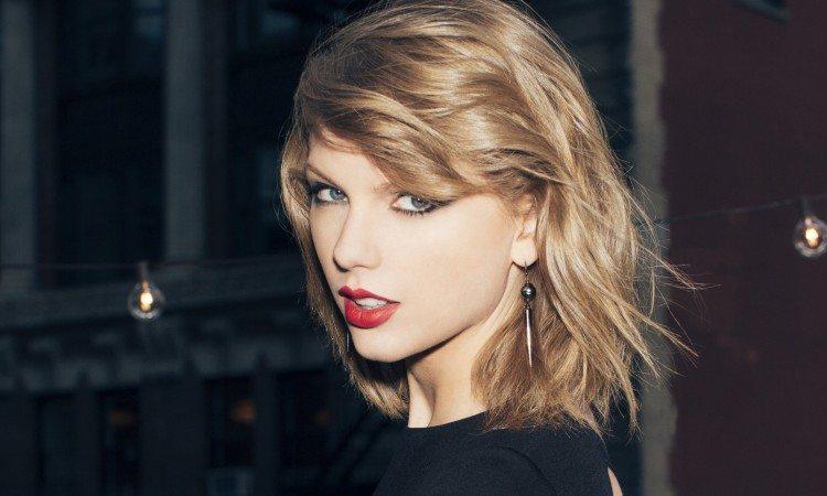 Taylor-Swift-1-e1441897409619